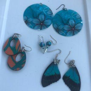 4pair of beautiful earrings.